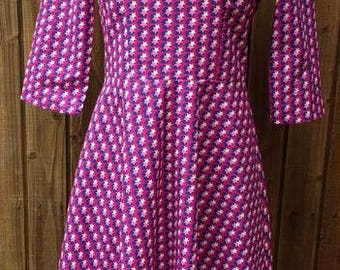 Victoria Fit and Flare Style Style Dress Size 10