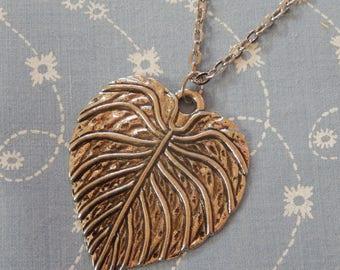 Heart Leaf Pendant Necklace