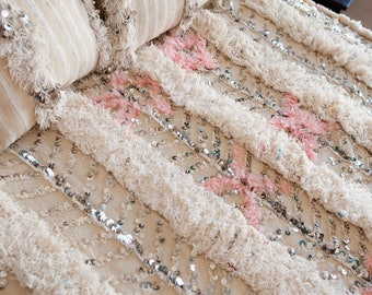 MOROCCAN WEDDING BLANKET, Beautiful Pink Wedding Blanket #215 with Sequins, Vintage Berber Blanket, Moroccan Handira, Neutral and Modern
