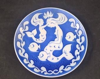 Royal Copenhagen Denmark Mothers day 1976 Morsdag porcelain china ceramic plate wall decoration collectors item blue white