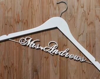Personalized Wedding hanger, Bridal Hanger, Wedding Dress Hanger, Custom Made Hanger, Bridesmaid Hanger Gift, Gift for Bride, vet0006