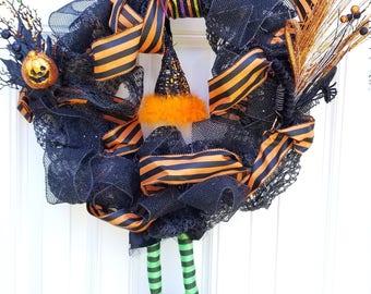 Halloween Wreath, Witch Wreath, Wreath With Witch, Halloween Decorations, Happy Halloween, Halloween Decor, Orange and Black