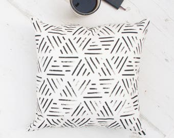 Geometric cushion cover, Home decor, Modern Throw Pillow, Black White Decorative Pillow, Black and White cushions  pillow covers, emodi