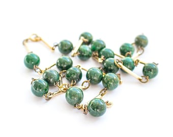 Vintage green stone Necklace, Flapper Style Necklace, 20s style gold green necklace, long strand necklace, Art Deco style Party Jewelry