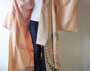 Houmongi kimono(訪問着) Japanese people are go wear it to a party mainly. Once in a while give a little luxury to yourself.