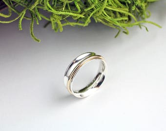 Spinner ring - Sterling silver spinner ring with gold center - Meditation ring - Fidget ring - Anxiety ring - Serenity ring - Custom size