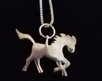 CP028 Vintage Sterling Silver Box Chain Necklace with Stylized Horse Pendant