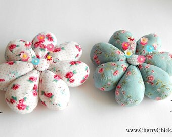 Flower Pincushion - Pincushion with Decorative Sewing Pins - Gift for Quilter - Gift for Seamstress - Pin cushion - Pin Keep - ECS