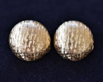 """Vintage Monet Geometric Round Button Earrings Textured Gold Tone Clip On Retro Signed Costume Estate Jewelry .5"""""""