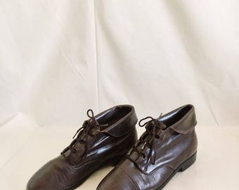 Vintage Leather Ankle Boots // 9