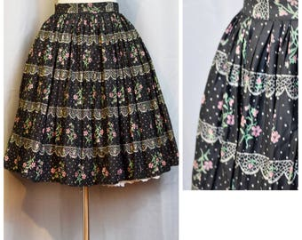 Black/Pink Floral Pleated 50s Skirt