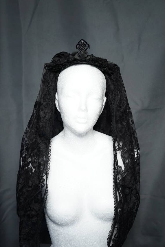 Black wedding veil with roses and feather / black wedding veil with roses and spring