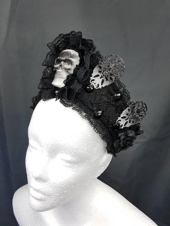 Gothic skull Kokoshnik / skulls Frenchhood with lace and Filigrees