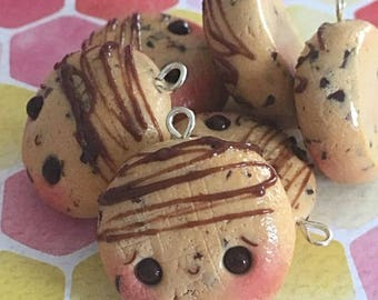 Kawaii Chocolate Chip Cookie Charms, Polymer Clay Jewelry, Polymer Clay Charms, Clay Charms, Foodie Gift, Food Jewelry, Cookie Charm