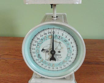 Vintage Hanson 30lb Nursery Baby Scale / Vintage Nursery Decor / Baby Boy Nursery Decor