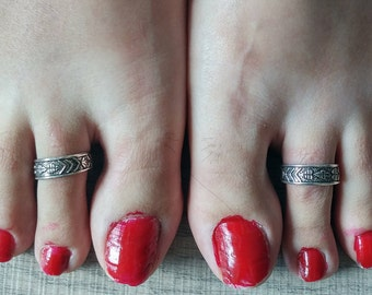 Adjustable Toe Ring - Sterling Silver, Adjustable oxidized carved design silver Toe Ring, Adjustable Foot Jewellery, Summer Toe Rings