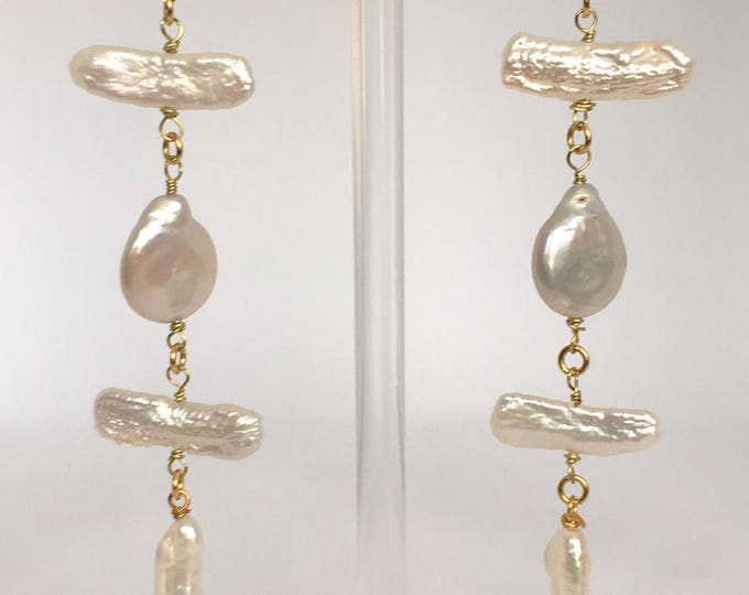 Pearls earrings, Golden earrings and cultured white pearls