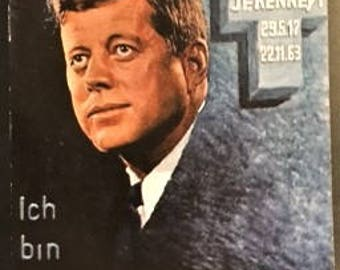 Scarce c.1963 John F. Kennedy MEMORIAL Postcard, Ich bin ein Berliner; 35th US President; Near Mint Condition.