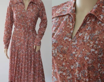 Darling 70s Floral Dress