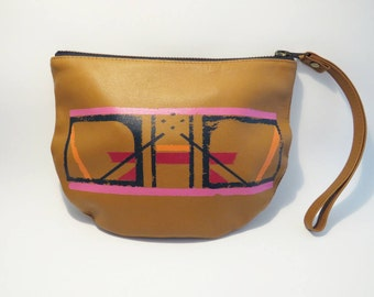 STRAIGHT LINES POUCH