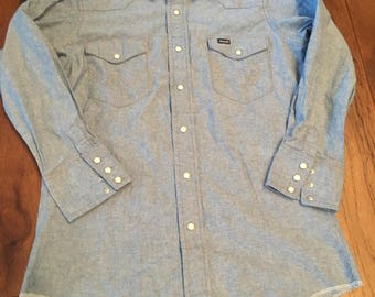 Wrangler Denim Shirt Pearl Snap Wester Shirt 15x33 Size XS Women's Small Long Cute Western