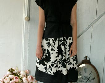 Black and white printed linen skirt, with pockets