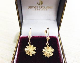 10 Karat Yellow Gold Flower Jewelry