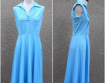 Soft Baby Blue Sleeveless Pleated Skirt Shirt Dress 1970s R & K Dress Size Small  70s does 40s 50s  Free Us Shipping