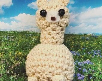 Little Alpaca Amigurumi, crocheted animal, presentidea, stuffed animal, keychain, luckycharm