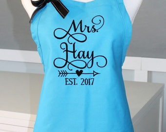 Mrs Apron with bow - Bridal Shower Gift - Bride Apron - Wedding Apron - Perfect Gift for the Bride - Personalized Apron - Embroidered Apron