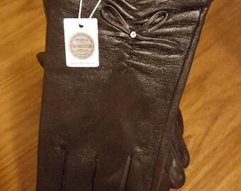 Glam Swarovski adorned Ladies Gloves (Boxed) - Ruche Teardrop