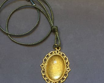 Vintage bright gold jewel pendant cord necklace