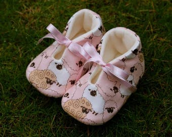 Shoes of baby pink sheep-various sizes