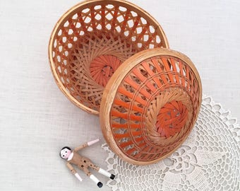 Vintage orange woven basket with lid - Bohemian Boho Eclectic Jungalow Decor Style Home - cane wicker - baby child room nursery #0617