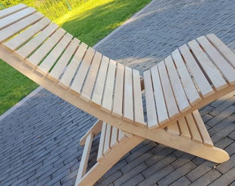 Folding solid wood chair