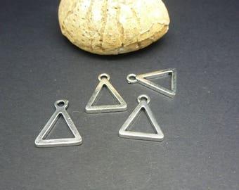 4 charms geometric Triangle 17 * 13mm (8SBA72)