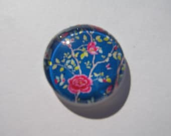 Glass cabochon round 14 mm with a flower image