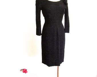 M 50s 60s Black Dress Wiggle Sheath Cocktail Bombshell Mid Century LBD Little Larry Aldrich Embassy Room