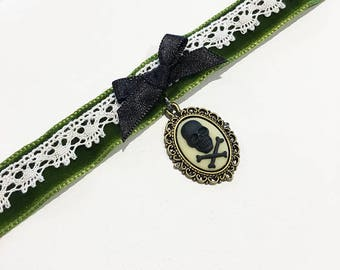Ancient skull gothic lolita cameo Absinthe green collar, prompt delivery