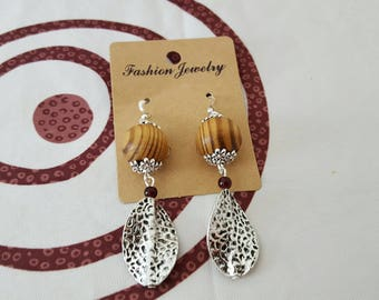 hook and silver metal bead, Pearl Earrings made of wood and glass