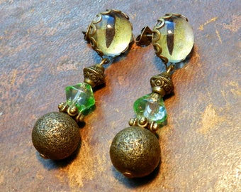 Gothic earrings green and bronze.