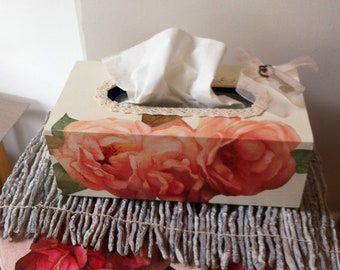 "Box with handkerchiefs ""Roses"""