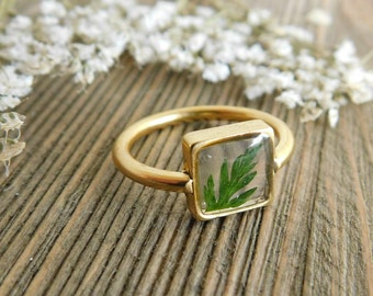 Gold plated leaf ring- square setting, size 6.5
