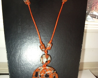 Necklace mid-length Orange pucks in Fimo