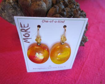 Earrings glass yellow orange with gold/bronze leaf inclusion