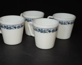 PYREX, Old Town Blue Mugs/Blue Onion Mugs, Coffee/tea mugs - Set of 4, D handle, Coffee mugs, Tea Cups, Milk glass, Vintage
