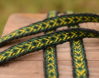 Handwoven belt / Tablet woven braid / Medieval woolen trim / Viking tablet weaving / Medieval art / Black, yellow, green / 18 mm strap