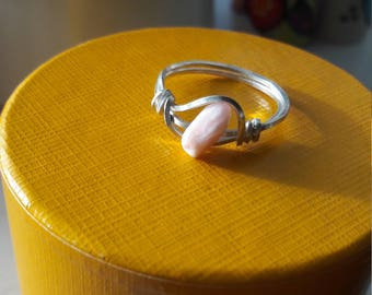 925 sterling silver square wire ring. With banded pink Peruvian opal. UK SIZE P. Perfect present. Gorgeous colour!