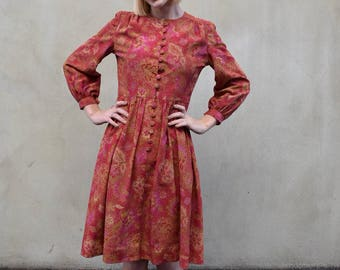 Japanese vintage red & gold dress | bohemian feel | buttons down front | knee length | gold accents | size small