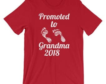 Pregnancy Announcement Promoted to Grandma 2018 Short-Sleeve Unisex T-Shirt